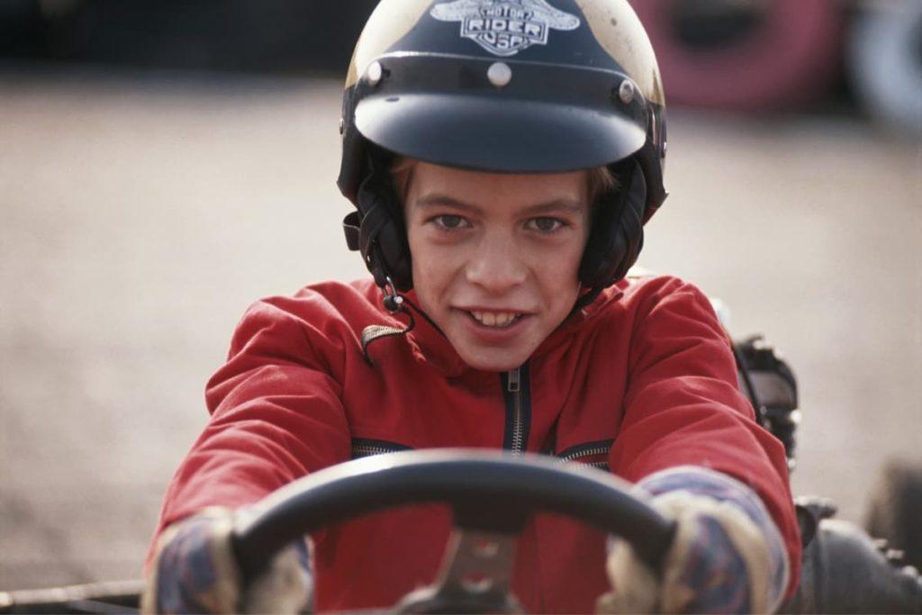 мальчик яростный гонщик