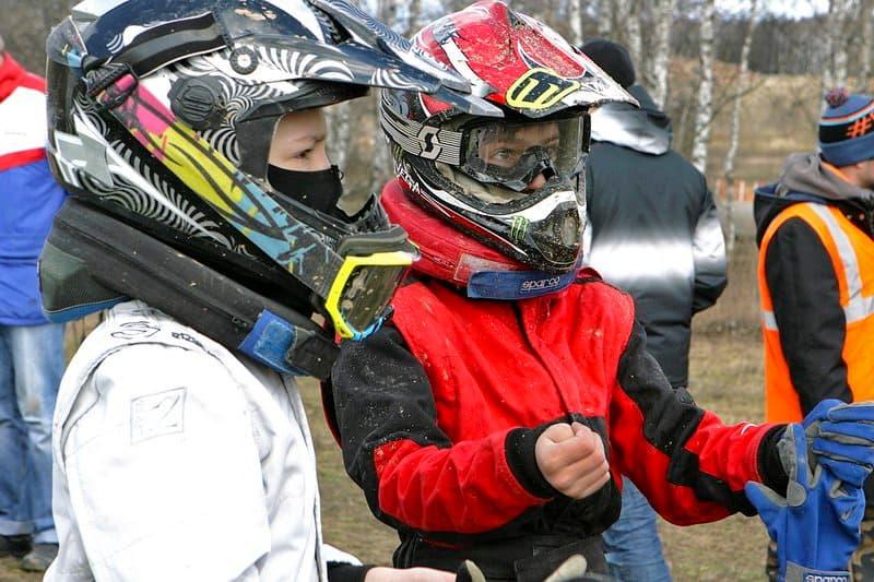 тренировка мальчиков гонщиков