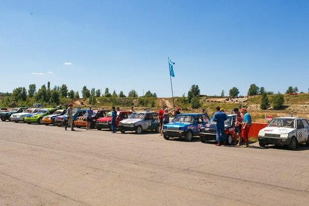 машины перед гонкой в воронеже